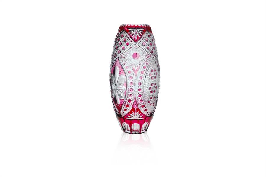 LOTUS紅寶石大花瓶57cm,18萬8000元。(旺代提供)