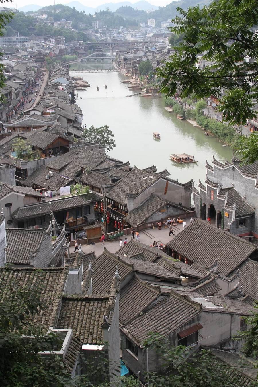 鳳凰古城。(報系資料照片)