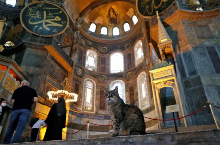 聖索菲亞大教堂內部一景。(圖/美聯社)