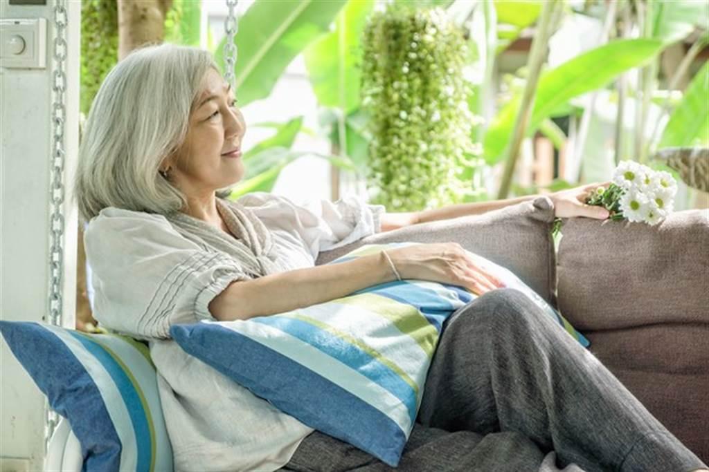 中醫建議腎陽虛的女性一定要忌吃冰及生冷食物,並配合溫陽中藥調理。(圖/pixabay)