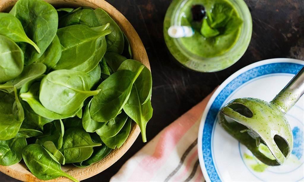 維生素K可促進凝血、預防骨質疏鬆和心血管疾病。(圖/pixabay)
