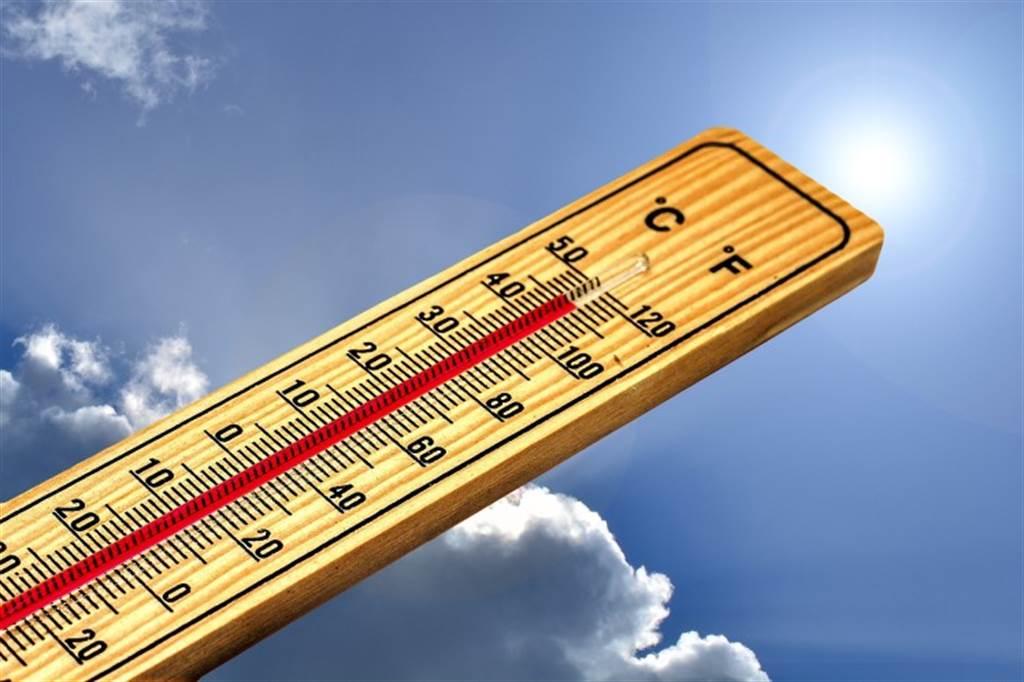 低血壓民眾夏天更要注意「補水」。(圖/pixabay)