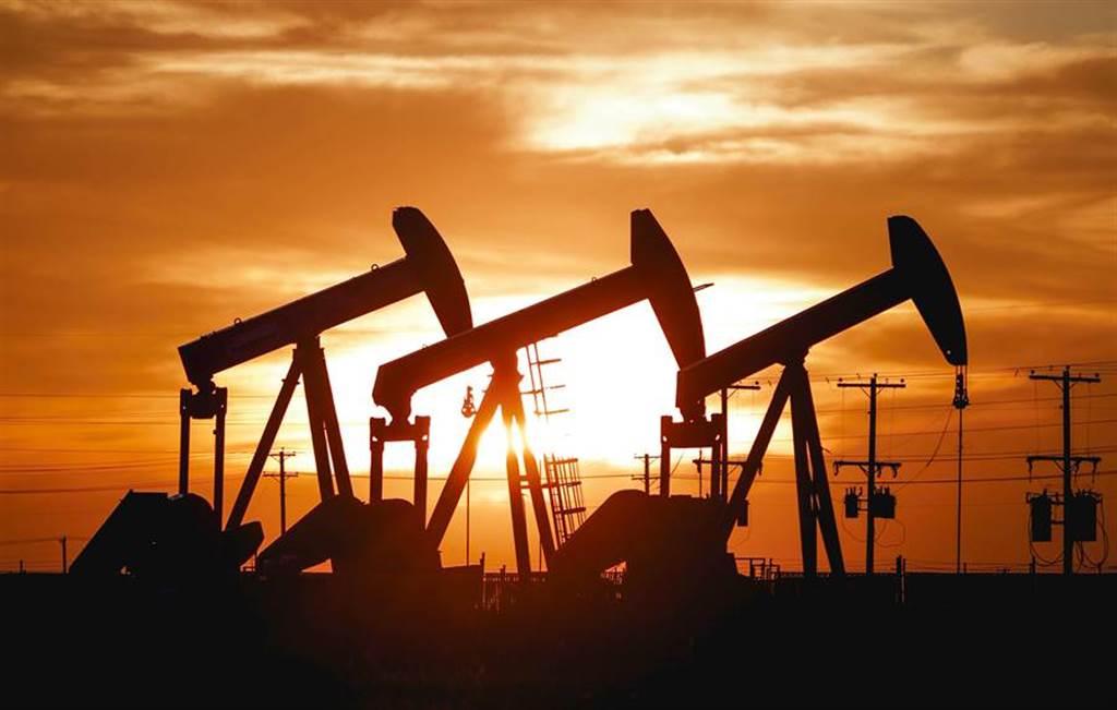 上海原油期貨交易也成為海外投資的熱門標的之一。(圖/美聯社)
