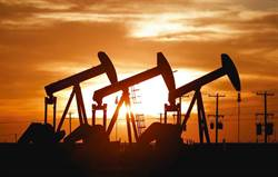 美元跌入空頭!上海原油期貨熱 人民幣有望成下個霸主?