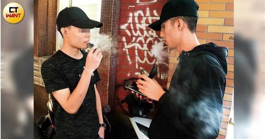 抽菸、三高患者因為血管健康不佳,耳朵血管也容易累積自由基,因此更容易遭受噪音的荼毒。(圖/周志龍攝)