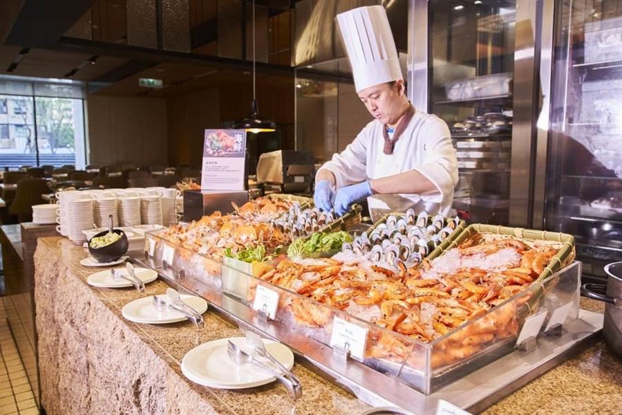 台北美福大飯店_彩匯自助餐廳_ 海鮮料理區。(美福提供)