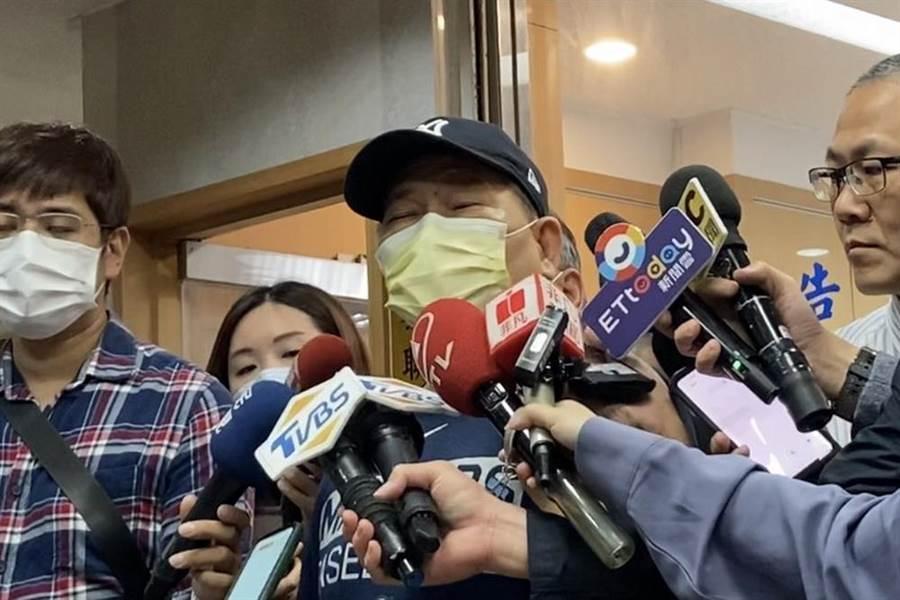 藝人澎恰恰5月在北檢憤怒指控自己被騙180萬元,3日出庭則低調躲避媒體。(本報資料照)