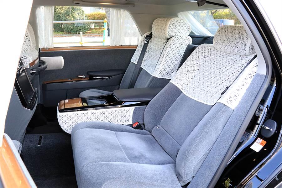 匯集日本傳統工藝與美意識的巔峰,Toyota Century 5.0 V8 Hybrid 日本試駕