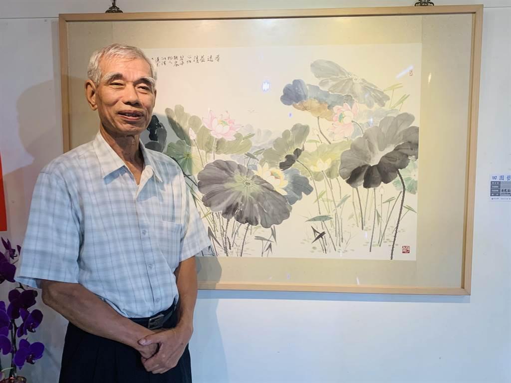 水墨畫家程錫牙(雪 亞),在埔里鎮立圖書館田園藝廊,推出「筆耕繪心」水墨創作畫展。(廖志晃攝)