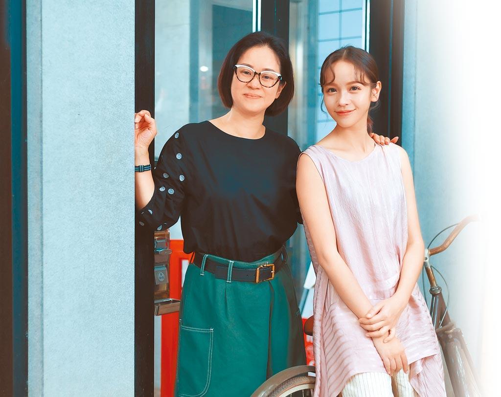《我的婆婆怎麼那麼可愛》製作人陳慧玲(左)肯定女主角黃姵嘉劇中表現。(羅永銘攝)