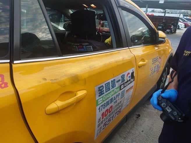 新北市新店警分局今(4日)獲報,央北二路與斯馨一路附近2停車場內9輛汽車遭不明人士砸毀車窗、偷竊車內財物。(翻攝照片)