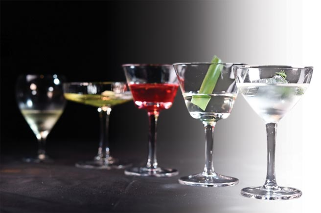〈MU:Taipei〉,是以雞尾酒佐餐(cocktail pairing)的概念餐廳,世界調酒冠軍Nick吳盈憲每季都為菜餚調製獨特的佐餐酒。圖/姚舜