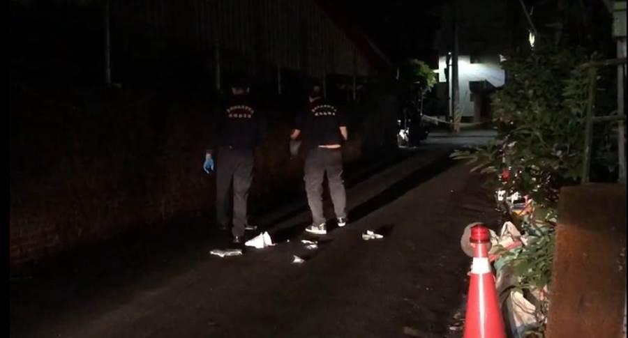 台南市新營區昨晚發生一起凶殺案,男子不滿鄰居辱罵其母親持刀殺人,造成一死一傷慘劇。(讀者提供/莊曜聰台南傳真)