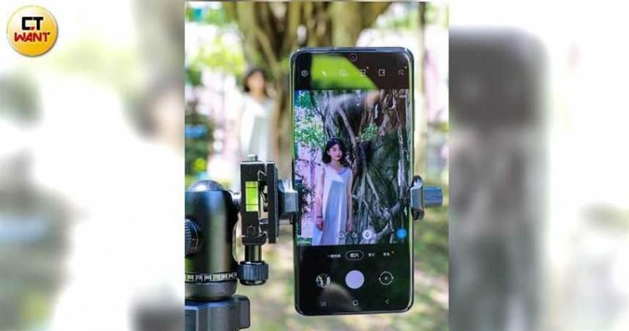 Galaxy S20 Ultra擁有百倍變焦能力,點選螢幕的遠距鏡頭切換鍵,就可從5X開始拍。(圖/馬景平攝)