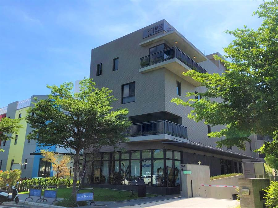 「夏馬城市生活」在台中市單元二重劃區,打造地上4層、600餘坪的舒適空間為首間旗艦總部。(盧金足攝)
