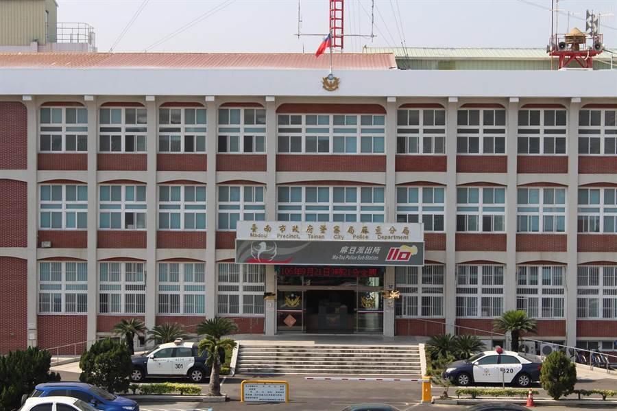 台南市一名女子遭神棍騙財騙色,向警方報案不僅製作筆錄時間冗長,還感覺遭員警恐嚇,受理單位也做出澄清。(莊曜聰攝)