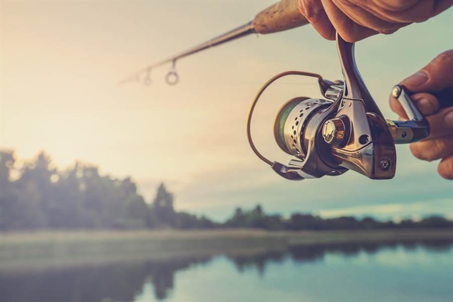 澳洲一名男子釣到一隻重達22公斤的怪魚。示意圖 (圖片來源/達志影像shutterstock提供)