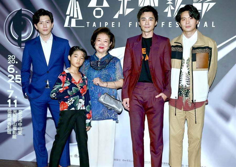 主要演員莫子儀、白潤音、陳淑芳、是元介、姚淳耀均出席首映會。(粘耿豪攝)
