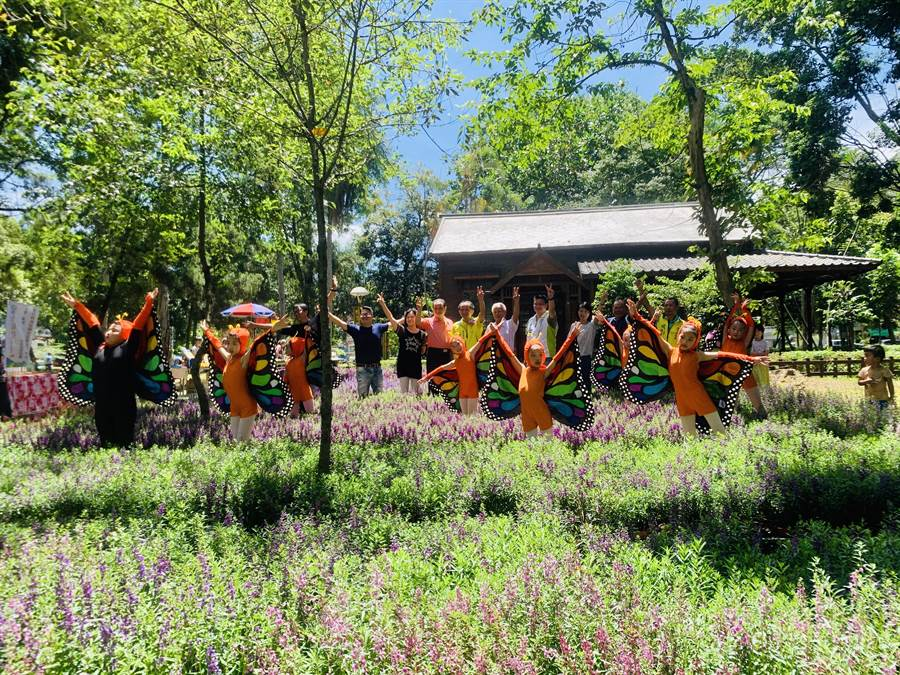 埔里鎮公所在興大演習林(實驗林),舉辦花卉風華市集。(廖志晃攝)