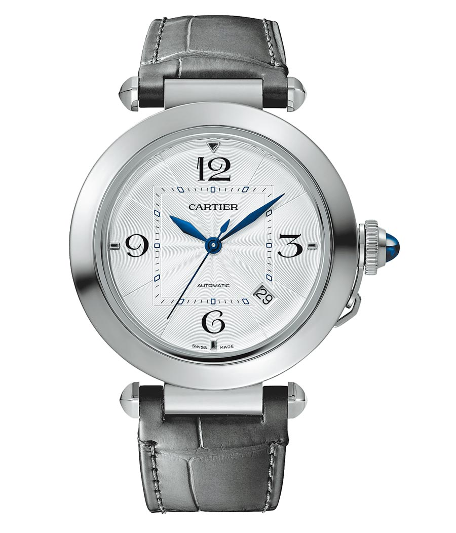卡地亞新款Pasha de Cartier腕表,外圓內方的設計別具巧思,20萬6000元。(Cartier提供)
