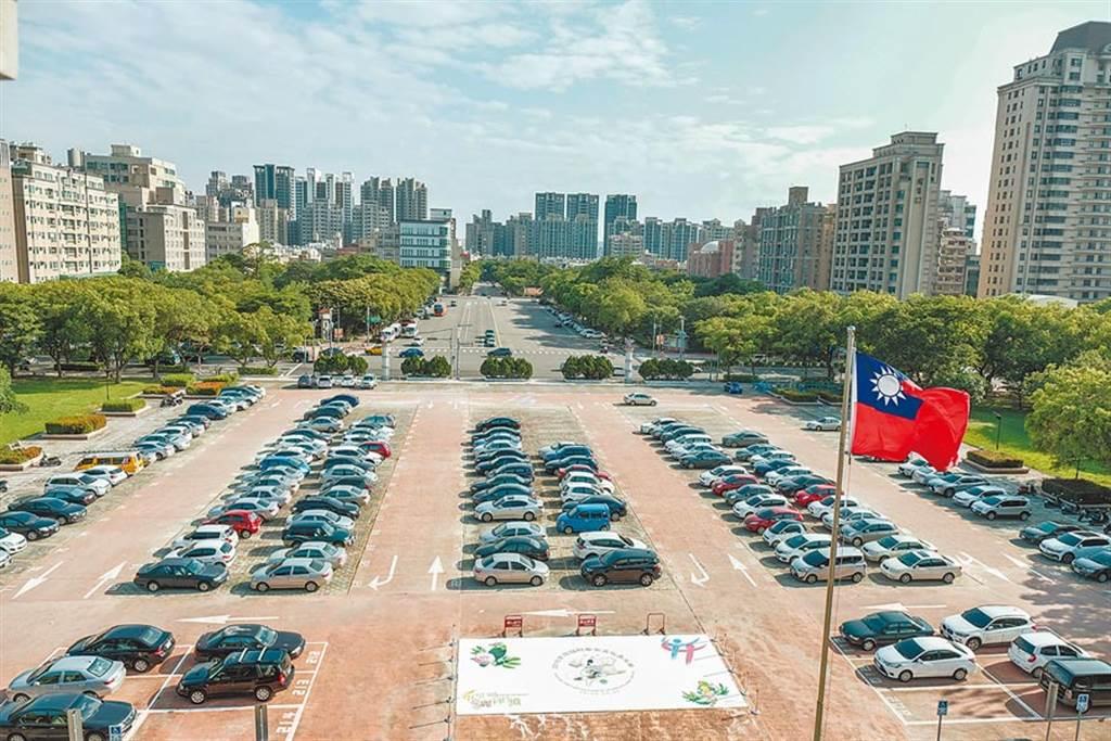 新竹縣有竹科及台元科技園區等提供就業機會,今年第1季淨遷入率為全國冠軍。(羅浚濱攝)