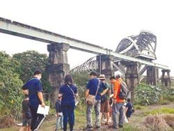 荒廢20餘年 北港復興鐵橋拚重生