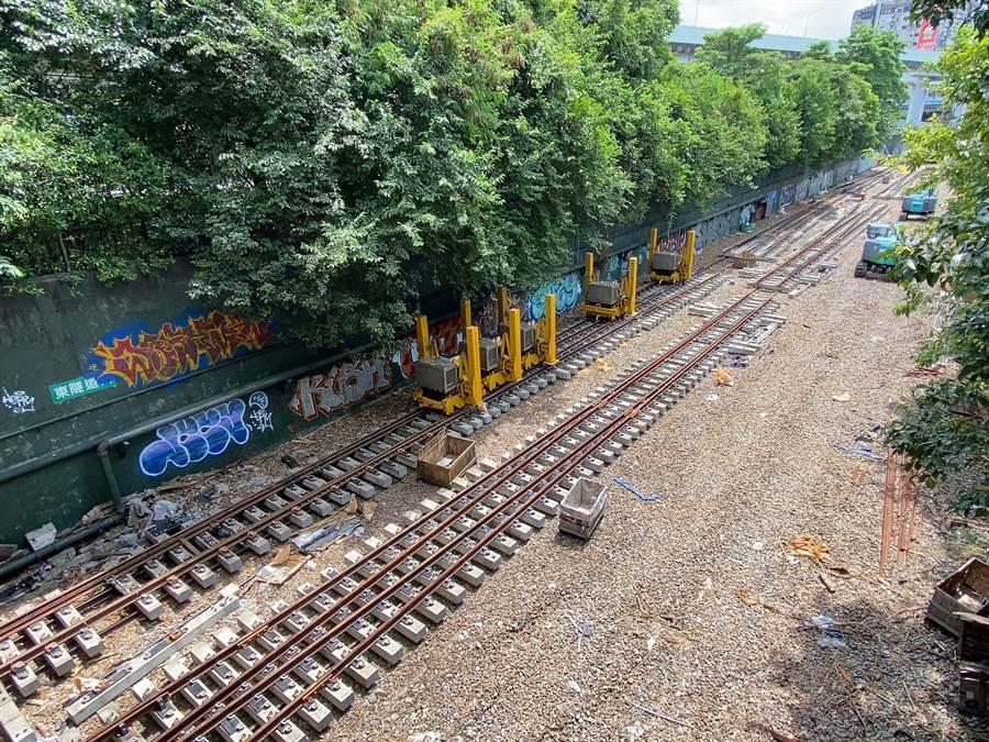 台鐵要更換軌道道岔,將影響雙北3站。(台鐵局提供)