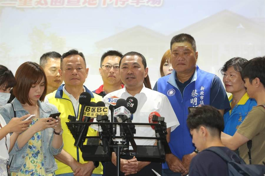 新北市長侯友宜今(5日)表示,已責令警察單位快速的釐清,要給被害者,要給家屬一個明確的交代。(葉書宏攝)