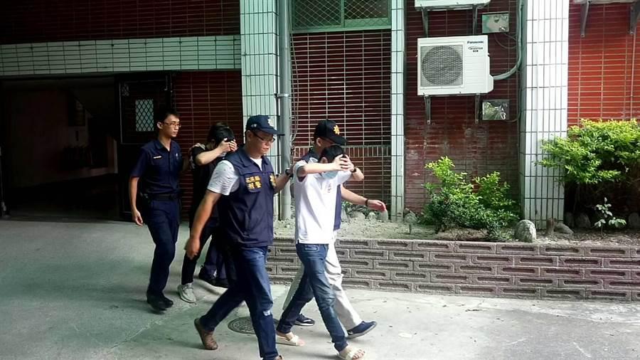 花縣吉安鄉今晨5時許發生槍擊砍人案,造成1死、1重傷,主嫌等7人陸續遭警方拘捕到案。(羅亦晽翻攝)