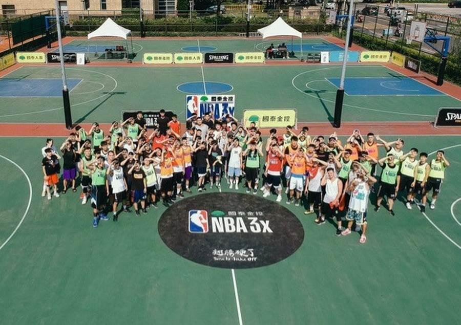 無視烈日曝曬,國泰NBA 3x球員熱情參賽。(大漢行銷提供)