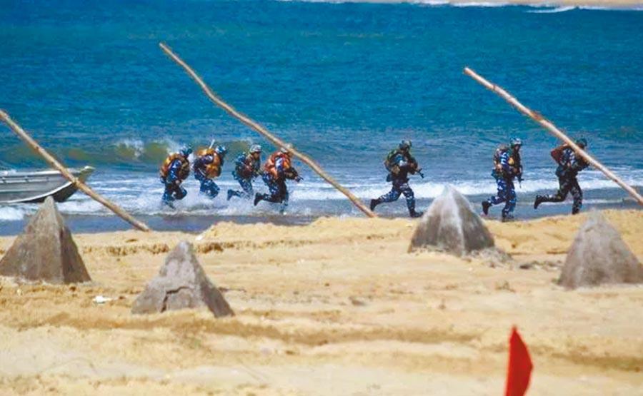 解放军7月1日至5日在西沙群岛附近进行为期5天的军事演习。 (摘自新浪军网)