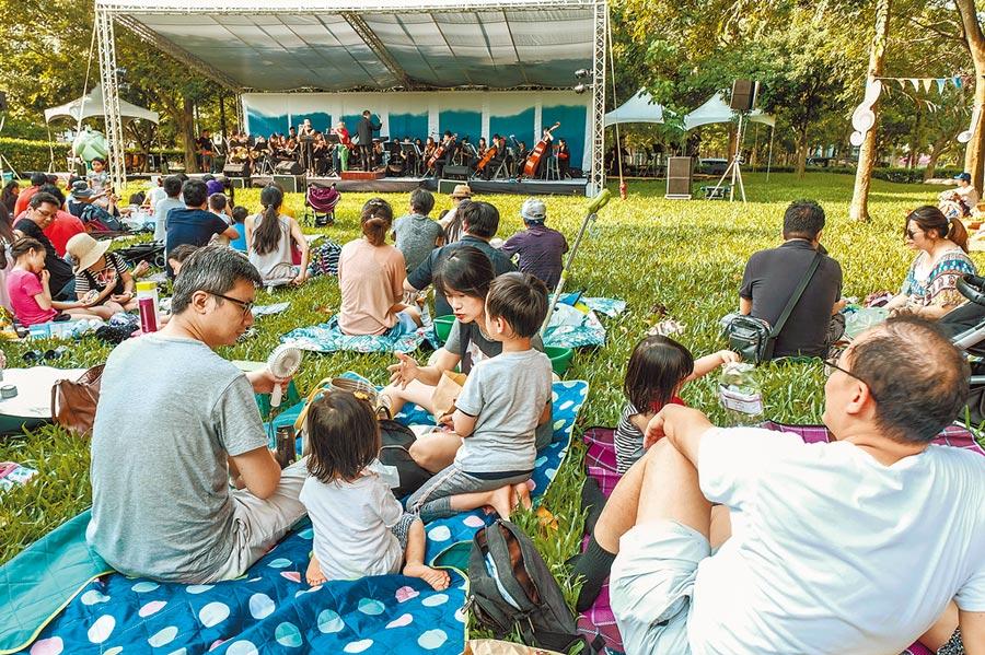 竹北市人口年年成長,交通問題可紓緩,但要滿足每位小朋友就近入學,未來幾年仍無解。(羅浚濱攝)