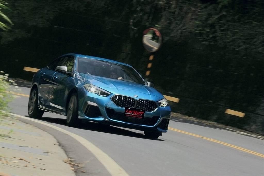 BMW M235i xDrive Gran Coupe最強四缸,愜意駕馭!
