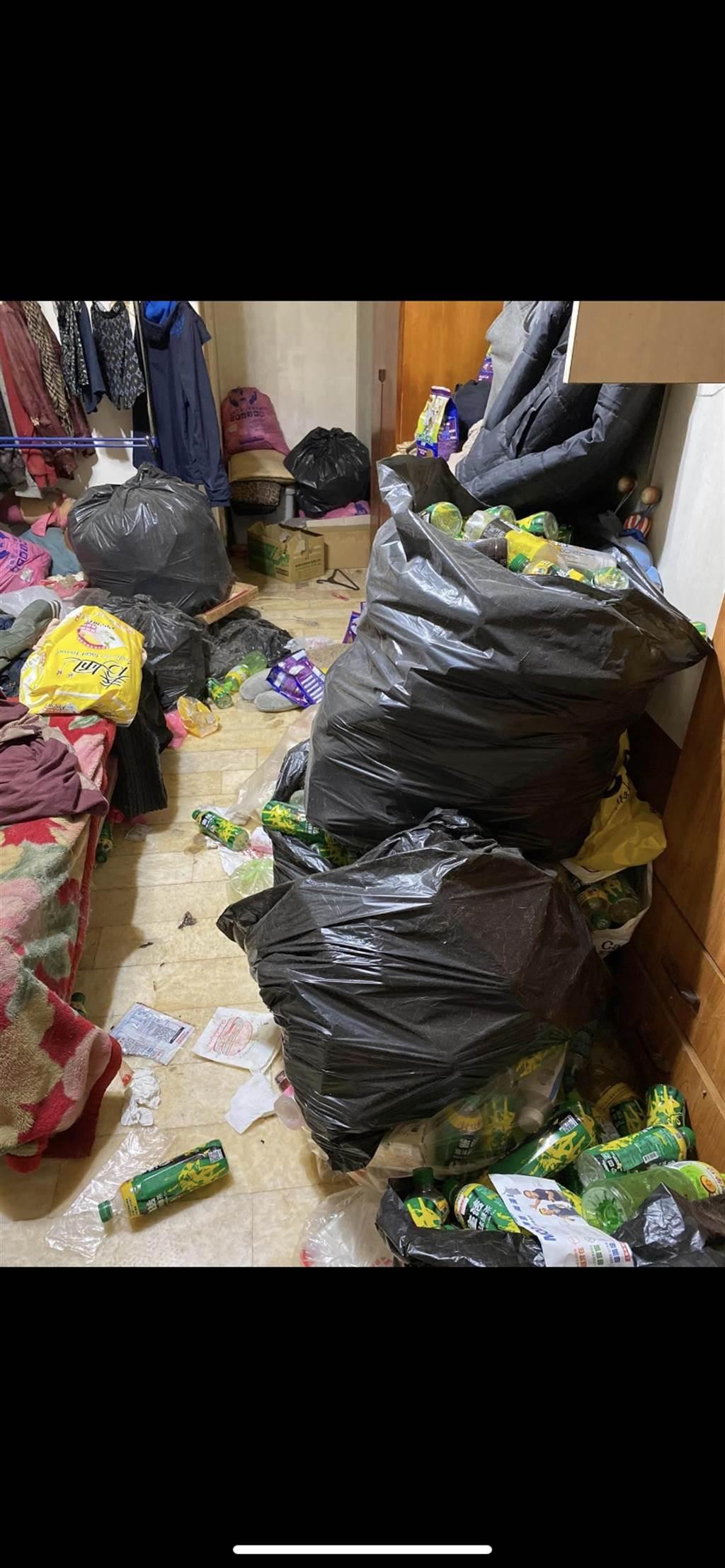 佈滿垃圾的環境讓網友大崩潰(圖取自臉書 爆廢公社)