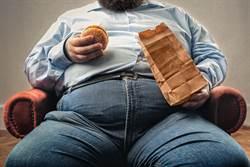 瘋狂吃肉半年 30歲「吃播主」暴肥40公斤暴斃亡