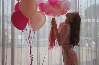 「長腿妖精」李聖經與朴秀英都愛!半身裙穿搭透迷人曲線