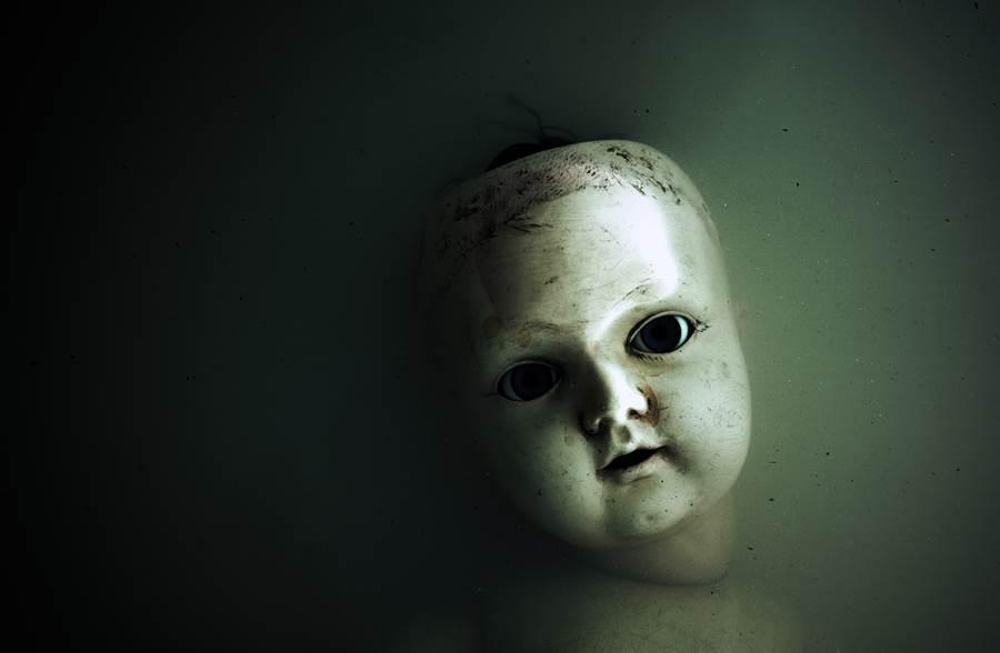 深夜感覺詭異視線偷窺 一看驚現地上1顆人頭(示意圖/達志影像)