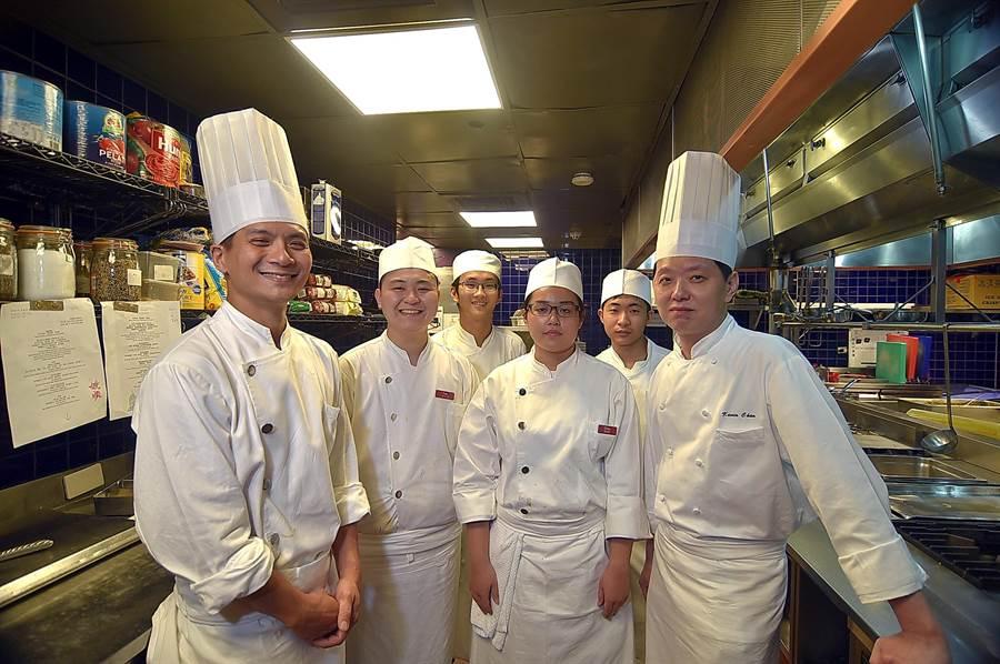 台北君悅〈Ziga Zaga〉義大利餐廳重新定位再出發,由執行副總廚陳明烽與廚藝團隊設計坊間不易嘗到的義大利經典菜式。(圖/姚舜)