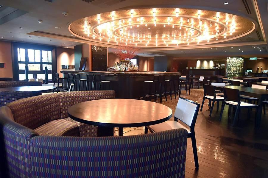 台北君悅〈Ziga Zaga〉義大利餐廳至今仍是全台最大的五星飯店義大利餐廳。(圖/姚舜)