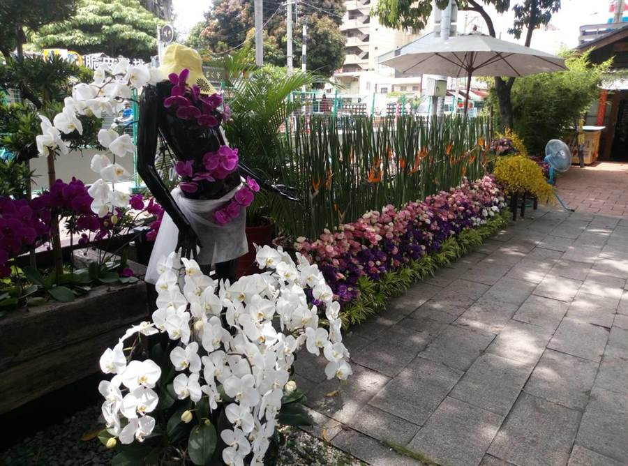 雲林故事館是最佳的花卉創作及展出載體。(許素惠攝)