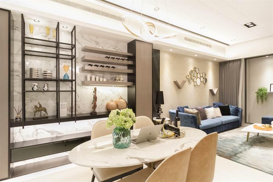 坪數規劃為42坪3房、52.5坪4房, 擁有雙套房、3衛浴,格局方正且邊間雙面採光/中時電子報攝