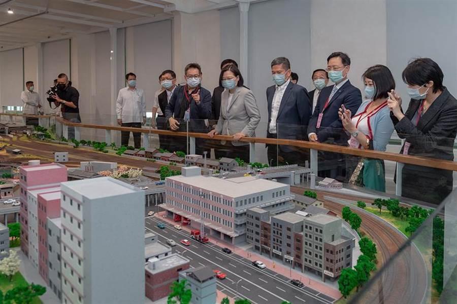 (總統蔡英文出席國立台灣博物館鐵道部園區開幕典禮。圖/總統府提供)
