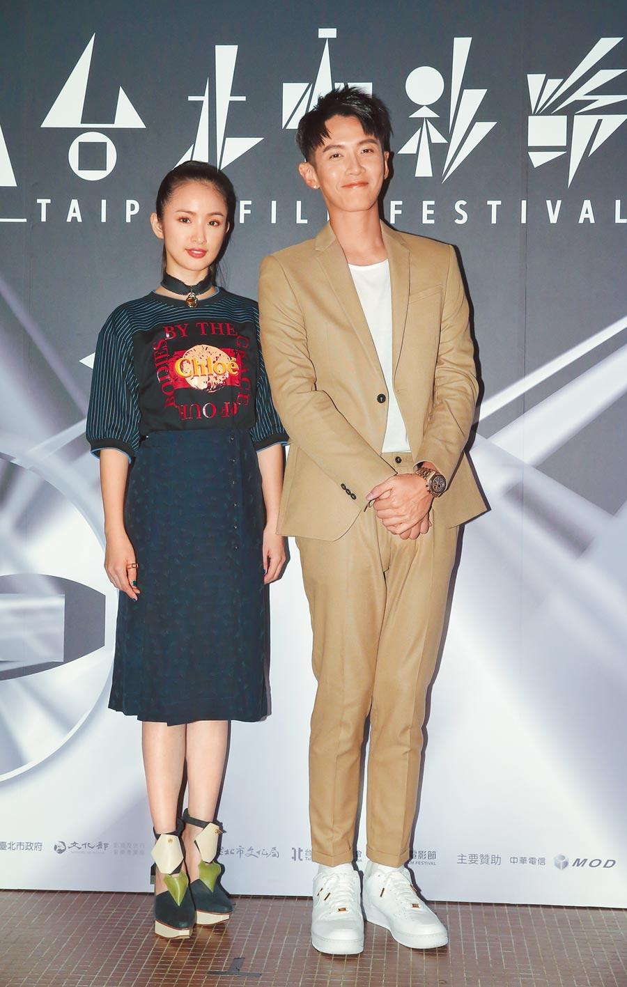 林依晨(左)與柯震東主演的《打噴嚏》,等了6年終於要上映。(盧禕祺攝)