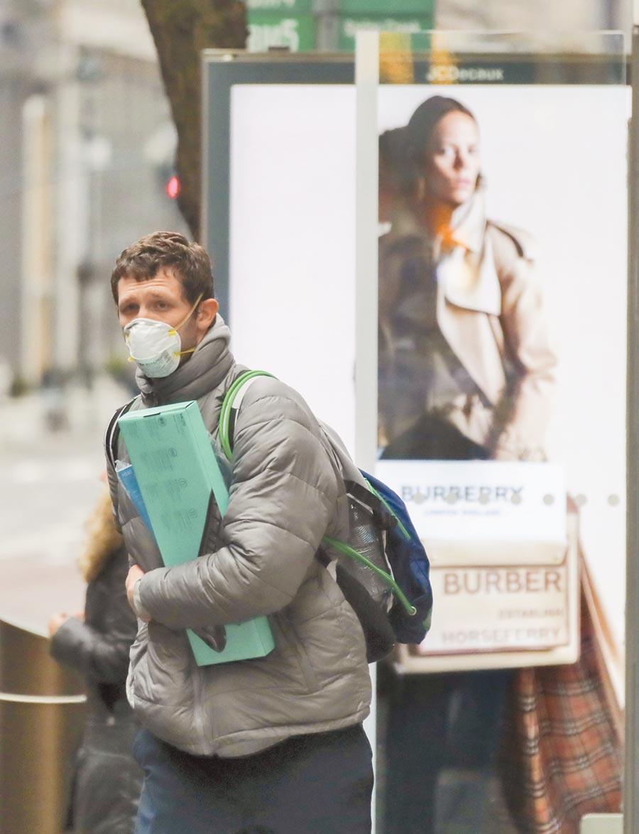 美國疫情嚴重的地區執行多項減少人口聚集的措施,昔日鬧市如今冷冷清清。(本報資料照片)