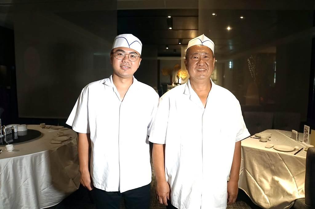 〈享鮮〉餐廳總廚陳黃傳(右)曾在〈馥園〉與〈吉品海鮮〉掌杓, 兼擅各菜系料理特長。(圖/姚舜)