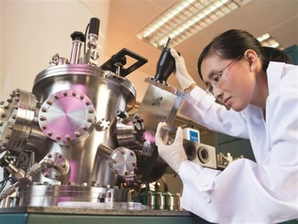 香港城市大學在2020 QS全球年輕大學香港城市大學打敗巴黎文理研究大學拿下第四名,除此之外和美國康乃爾大學合作,成立亞洲第一個6年制獸醫學位。(香港城市大學提供)