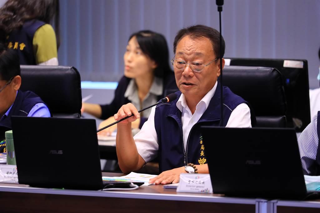 消防局長曾進財今日在市政會議專案報告「台中市水域、山域事故救援機制」。(盧金足攝)