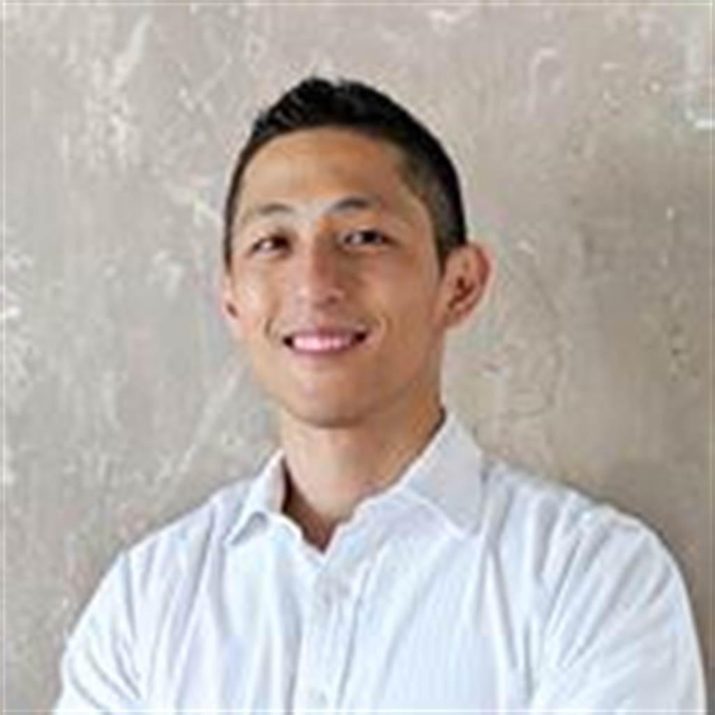 吳怡農:我軍訓多是為了表演需求。翻字吳怡農臉書