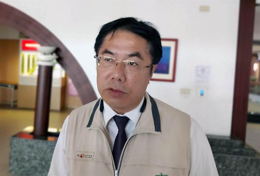 行政院長蘇貞昌宣布國中小學2年內全面裝設冷氣,台南市長黃偉哲認為,台南市有不少校舍的電力設備老舊,必須分期改善後才能裝設。(洪榮志攝)