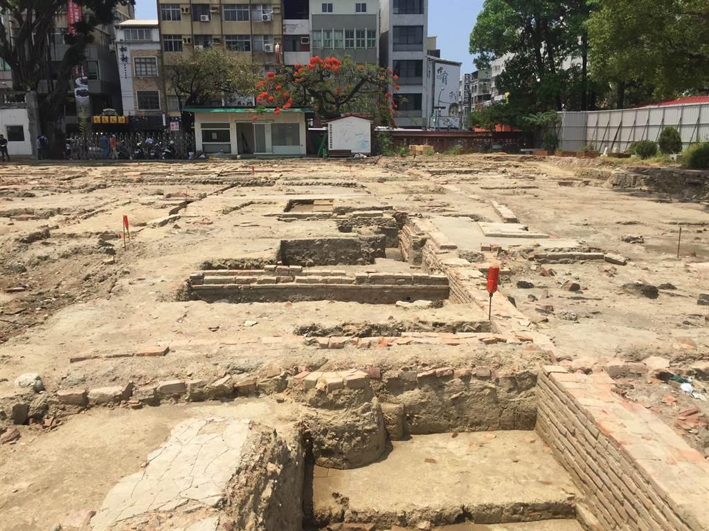 赤崁文化園區未來將部分保存展示。(曹婷婷攝)